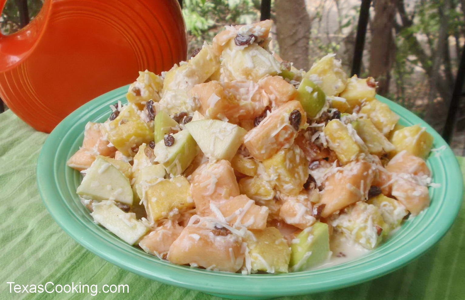 Cantaloupe Fruit Salad Recipe Cut fruits should be stored in an airtight container in the refrigerator for extended shelf life. cantaloupe fruit salad