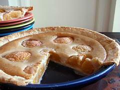 Fresh Sour Cream Peach Pie
